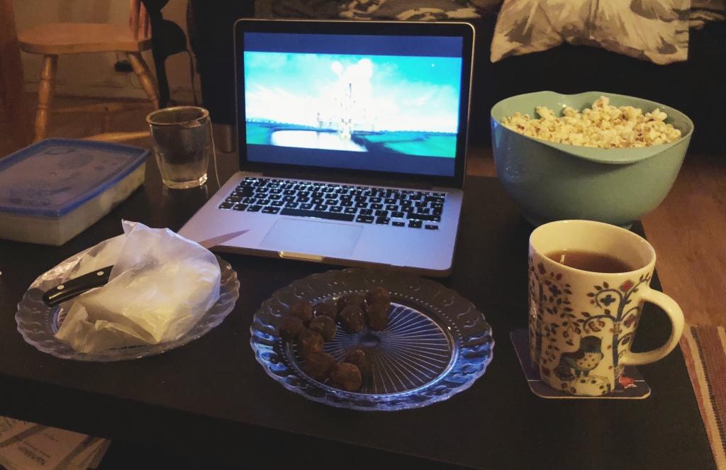 Te, godis och film