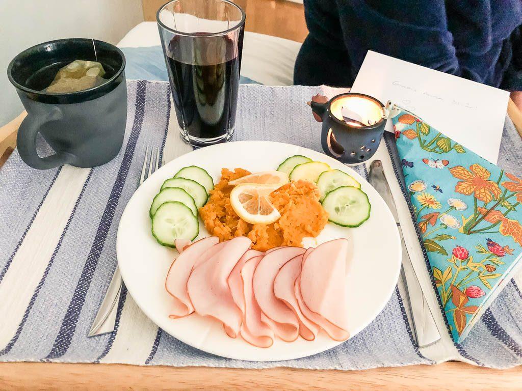 Frukost på sängen - Amoll.net
