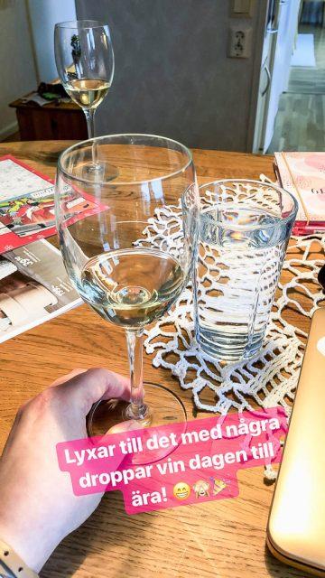 Några droppar vin - Amoll.net